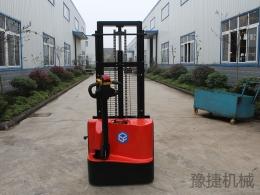 全电动步行式电动堆高车EFD10C